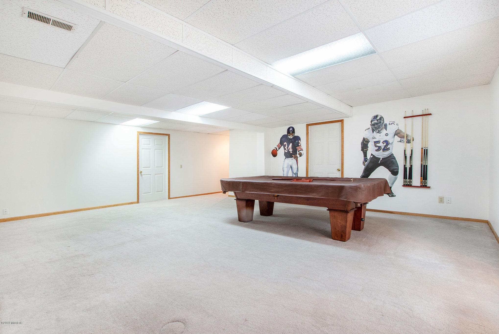 Recreation room - Lower level