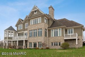 101 Lighthouse Dunes Path, St. Joseph, MI 49085