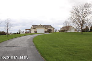 17911 Trufant Avenue NE, Sand Lake, MI 49343