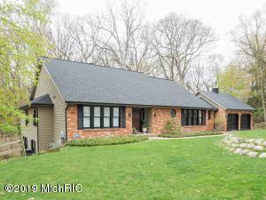 1355 White Oak Drive, Kalamazoo, MI 49008