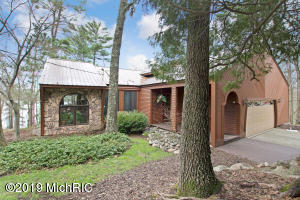 1618 Owasippe Road, Twin Lake, MI 49457