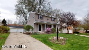 1427 Walwood Terrace NE, Grand Rapids, MI 49505
