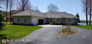 10451 E Royal Road, Stanwood, MI 49346
