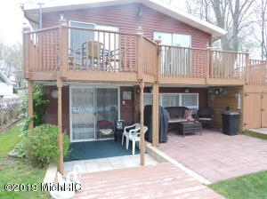 59418 Lakeshore Drive, Colon, MI 49040