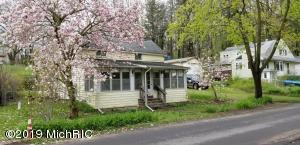 239 S Gull Lake Drive, Richland, MI 49083
