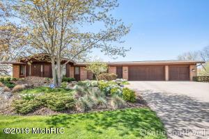111 Middleboro Drive NE, Grand Rapids, MI 49506