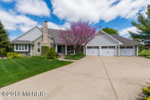 7367 Cottage Oaks Drive, Portage, MI 49024
