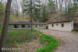 35446 Blue Star Highway, Covert, MI 49043
