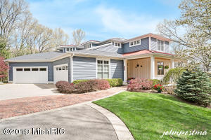 4450 Mystic Ridge Court NE, Grand Rapids, MI 49525