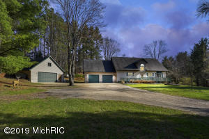23259 16 Mile Road, Leroy, MI 49655