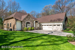 3895 Hadrians Way, Twin Lake, MI 49457