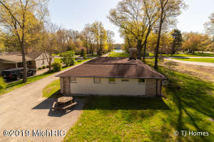 3595 Goodwood Drive SE, Grand Rapids, MI 49546