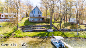 16481 Findley Drive NE, Sand Lake, MI 49343