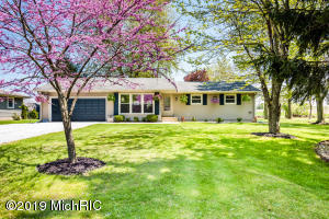 15141 Algonquin Road, Three Oaks, MI 49128