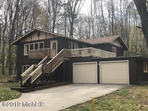 11949 Wellington Drive, Canadian Lakes, MI 49346