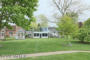 46253 Lakeview Drive, Decatur, MI 49045