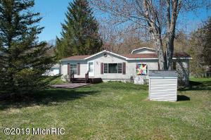 19986 Terrill Avenue, Chippewa Lake, MI 49320