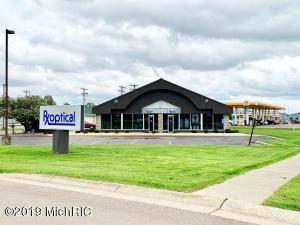 111 N US-131 Highway, Three Rivers, MI 49093