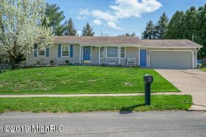 978 Woodmont Street NW, Grand Rapids, MI 49544