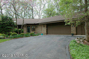7692 W St. Andrews Circle, Portage, MI 49024