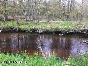 1276 E Millerton, Scottville, MI 49454