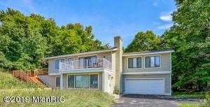 17694 North Shore Estate Road, Spring Lake, MI 49456