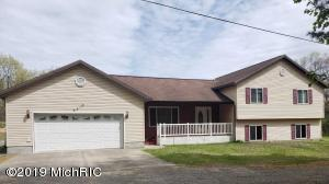 6410 Ewing Road, Twin Lake, MI 49457