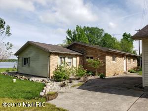 6723 Bird Lake Road S, Osseo, MI 49266
