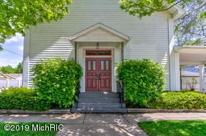 334 Pine Street, Coopersville, MI 49404