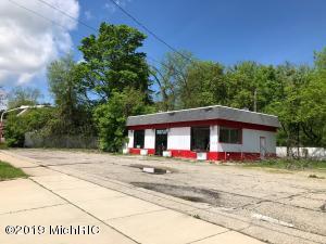 122 W Chicago Street, Jonesville, MI 49250