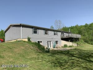 1863 Crystal Lane, Allegan, MI 49010