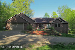 52725 County Rd 384, Grand Junction, MI 49056