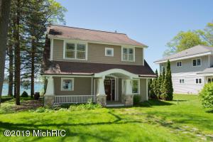 3378 Oakdale Avenue, Hickory Corners, MI 49060
