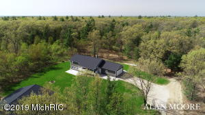 9095 E 56th Street, Newaygo, MI 49337