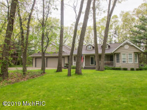 3866 Towering Oaks Circle, Muskegon, MI 49442