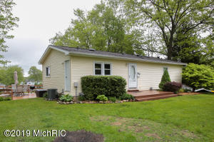 Property for sale at 11606 Alling Road, Plainwell,  Michigan 49080