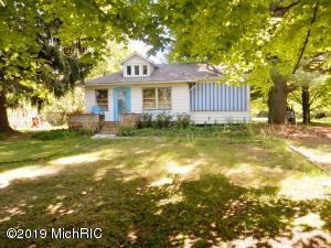 7202 Harbert Road, Three Oaks, MI 49128