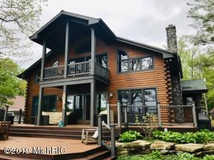 3135 Grand Avenue N, Pierson, MI 49339