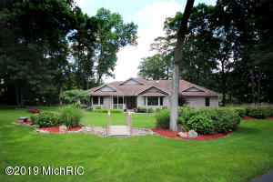12065 Red Bud Trail, Buchanan, MI 49107