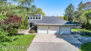 422 Ruddiman Drive, North Muskegon, MI 49445