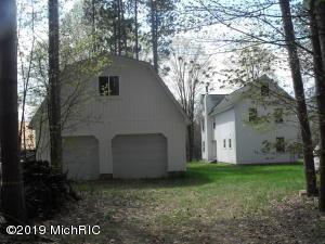 11789 Woodland Drive, Evart, MI 49631
