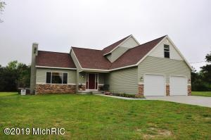 955 16 Mile Road, Kent City, MI 49330