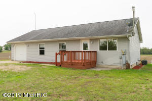 21781 Featherstone Road, Centreville, MI 49032