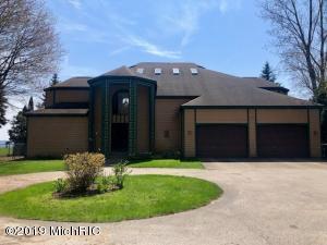 3225 Memorial Drive, Muskegon, MI 49445