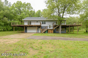 31403 56th Avenue, Paw Paw, MI 49079