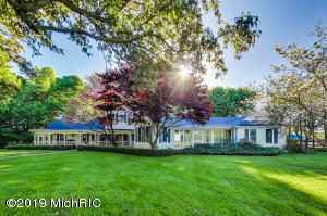 7760 Elm Valley Road, Three Oaks, MI 49128