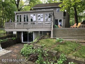 58826 Lakeshore Drive, Colon, MI 49040