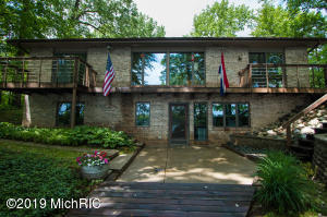 28379 Northern Bluff Drive, Gobles, MI 49055