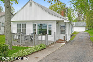13829 Lakeside Avenue, Bear Lake, MI 49614