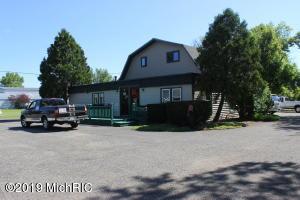 126 Concord Road, Jonesville, MI 49250